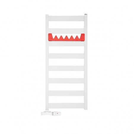 Grzejnik łazienkowy Terma Leda. Grzejnik wąski o szerokości 40cm i wysokości 91cm, kolor biały, z podłączeniem dolnym o rozstawie 370mm z zamontowanym zestawem termostatycznym Unico, figura kątowa prawa oraz z czerwonym relingiem Happy Shark