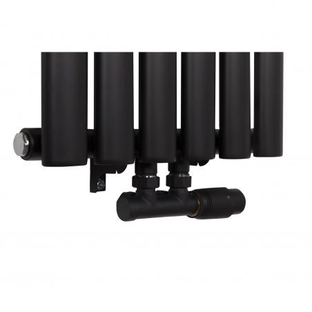 Zawór zespolony czarny Multiflow w figurze prawej zamontowany na grzejniku dekoracyjnym Ultimate 160x36cm czarnym