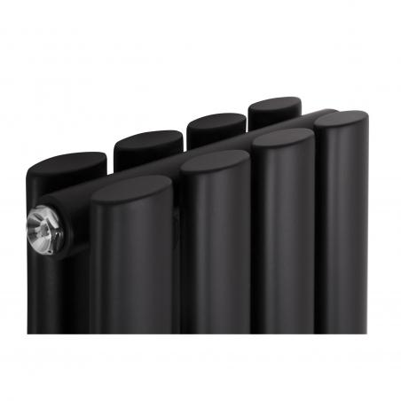 Zbliżenie na górę grzejnika dekoracyjnego Ultimate podwójny 160x24 czarny mat