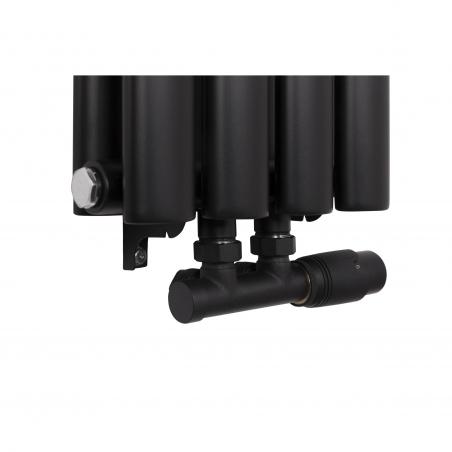 Zawór zespolony Multiflow w figurze kątowej prawej w kolorze czarnego matu, z grzejnikiem dekoracyjnym Ultimate podwójnym czarnym matowym.