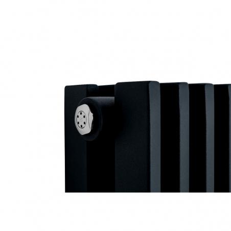 Szczegół grzejnika dekoracyjnego podwójnego Highliner, w kolorze czarnym o rozmiarze 180x60.