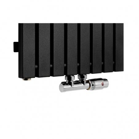Zawór termostatyczny Multiflow chrom, figura kątowa prawa podłączony do grzejnika dekoracyjnego Advantage 180x39 w kolorze czarnym.