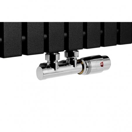 Zawór termostatyczny Multiflow chrom, figura kątowa prawa podłączony do grzejnika dekoracyjnego Advantage 180x59 w kolorze czarnym.