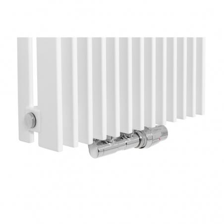 Zawór termostatyczny zespolony Twins chrom, w figurze kątowej prawej, dopasowany do grzejnika dekoracyjnego Samum 1, o wymiarach 180x37 białego.