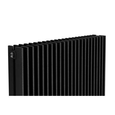 Szczegół grzejnika dekoracyjnego Samum podwójnego 180x67 czarnego.