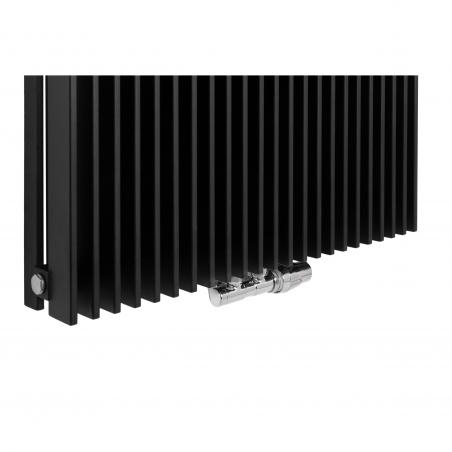 Zawór termostatyczny zespolony Twins chrom, w figurze kątowej prawej, dopasowany do grzejnika dekoracyjnego Samum 2, o wymiarach 180x67 czarnego.
