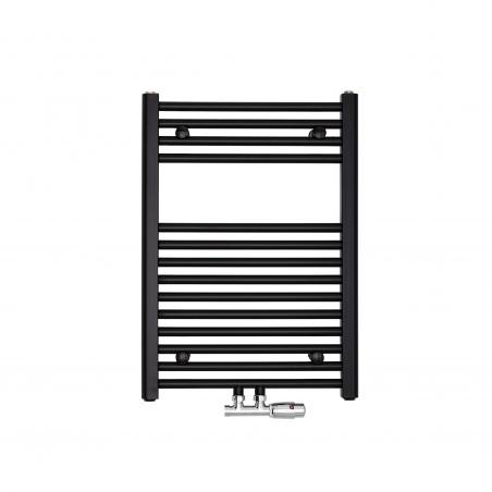 Grzejnik łazienkowy Constans w kolorze czarnym o wymiarach 70x50cm z podłączeniem dolnym środkowym o rozstawie 50mm. Zamontowany zawór zespolony chromowany Multiflow w figurze kątowej prawej