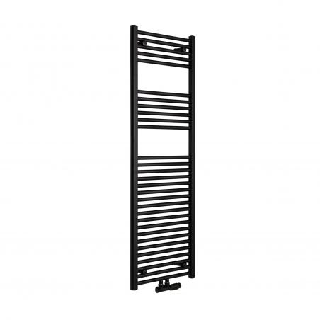 Grzejnik łazienkowy drabinkowy Constans 150x50cm w kolorze czarnym z podłączeniem dolnym środkowym o rozstawie 50mm. Zamontowany zawór zespolony Multiflow czarny w figurze kątowej prawej.