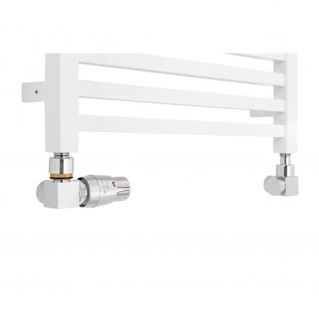 Dekoracyjny grzejnik łazienkowy Essence o szerokości 50cm w kolorze białym z podłączeniem dolnym o rozstawie 470mm z chromowanym zestawem termostatycznym Vario Term Quattro w figurze osiowo-lewej.
