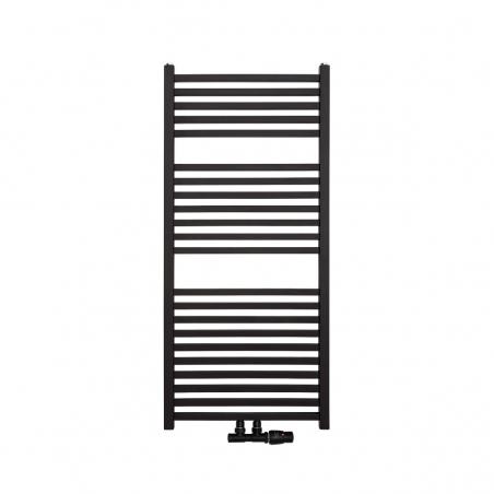 Nowoczesny grzejnik łazienkowy Essence w kolorze czarnym o wymiarach 110x50cm z podłączeniem dolnym środkowym o rozstawie 50mm. U dołu zamontowany zawór zespolony Vario Term Twins w kolorze czarnym matowym i figurze kątowej prawej.