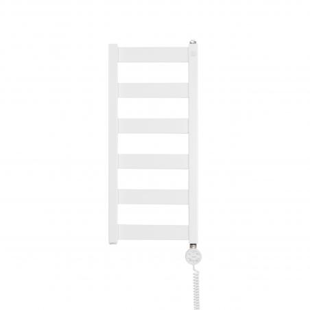 Grzejnik łazienkowy elektryczny Terma Leda. Grzejnik wąski o szerokości 30cm i wysokości 67cm, kolor biały. Z prawej strony zamontowana biała grzałḱa elektryczna Moa o mocy 200W