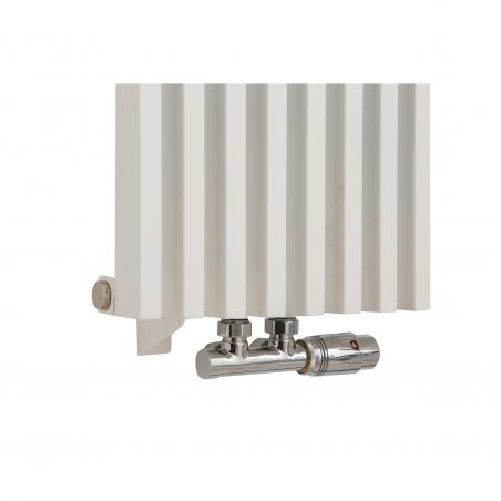 Zawór termostatyczny zespolony Multiflow chrom, figura kątowa prawa, podłączony do grzejnika dekoracyjnego Diva 180x30 białego.