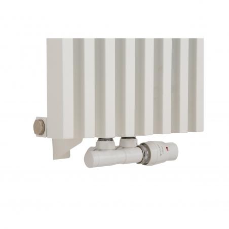 Zawór termostatyczny zespolony Twins biały, figura kątowa prawa, podłączony do grzejnika dekoracyjnego Diva 180x30 białego.