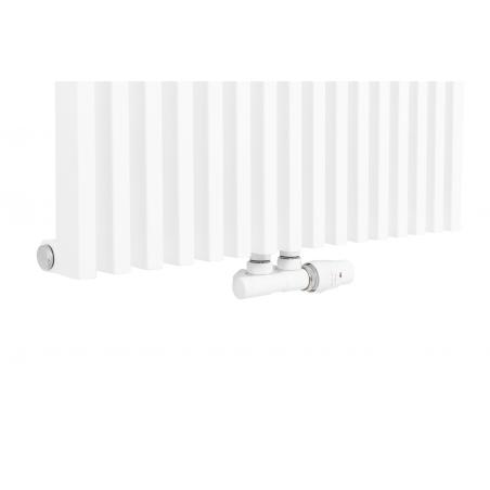 Zawór termostatyczny zespolony Twins biały, w figurze kątowej prawej, podłączony do grzejnika dekoracyjnego Diva 180x62 w kolorze białego matu.