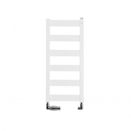 Grzejnik łazienkowy Terma Leda. Grzejnik wąski o szerokości 30cm i wysokości 67cm, kolor biały, z podłączeniem dolnym o rozstawie 270mm z zamontowanym zestawem termostatycznym Vision w chromie, figura osiowa lewa