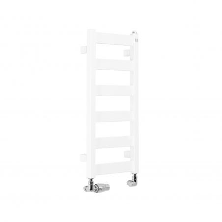 Grzejnik łazienkowy Terma Leda. Grzejnik wąski o szerokości 30cm i wysokości 67cm, kolor biały, z podłączeniem dolnym o rozstawie 270mm z zamontowanym chromowanym zestawem termostatycznym Vision, figura osiowa lewa