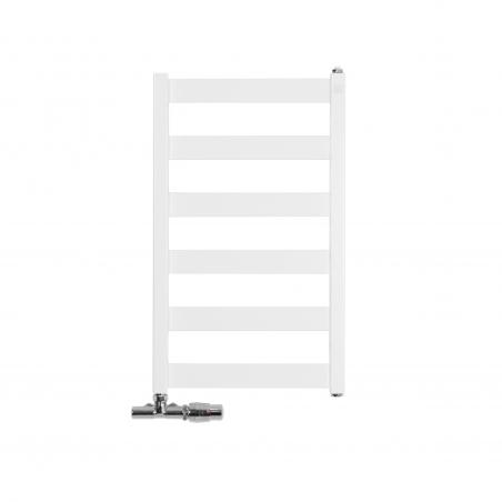 Grzejnik łazienkowy Terma Leda. Grzejnik wąski o szerokości 40cm i wysokości 67cm, kolor biały mat, z podłączeniem dolnym o rozstawie 370mm, z zamontowanym z lewej strony przyłączem jednootworowym Unico w chromie, pozwalającym zmienić rozstaw na 50mm